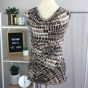 🔥5/$25🔥 Animal print blouse
